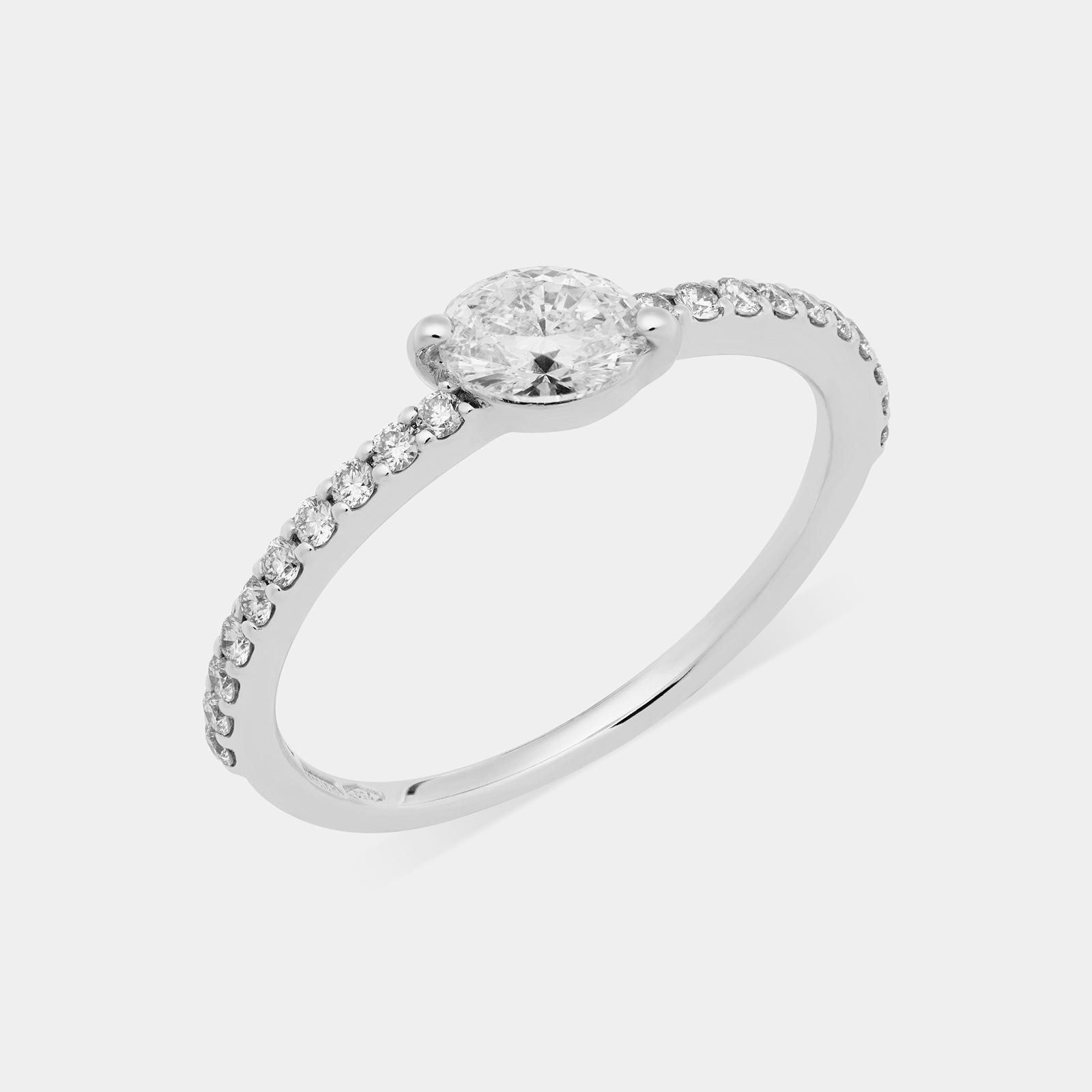 Anello ovale in oro bianco e diamanti - Rosanna Cattolico gioielli