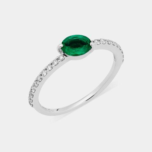 Anello in oro bianco e diamanti con smeraldo taglio ovale - Rosanna Cattolico gioielli