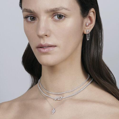 Rosanna Cattolico - Collana girocollo con ciondolo lettera in oro bianco e diamanti