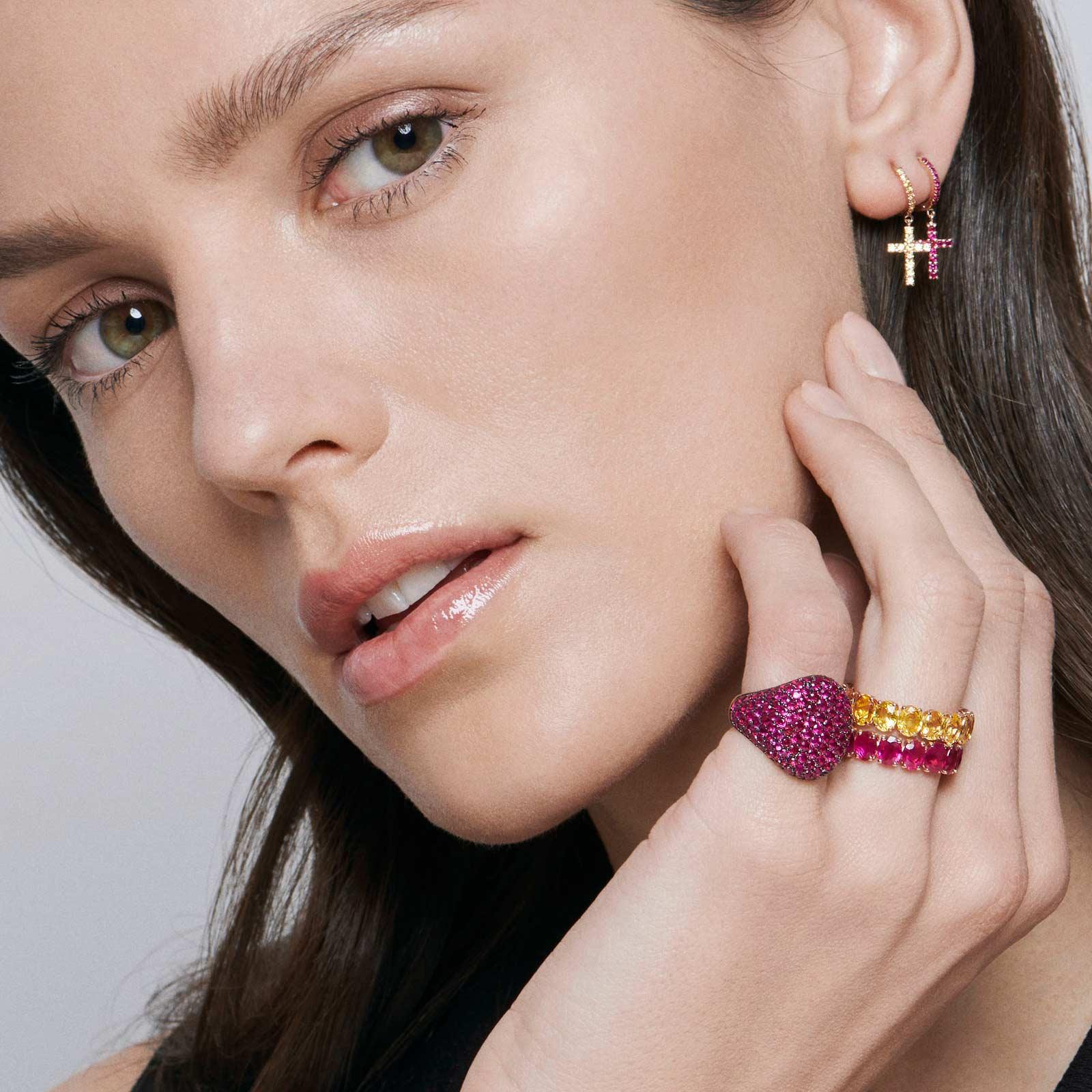 Crivelli – Chevalier in oro rosa e pavè di rubini