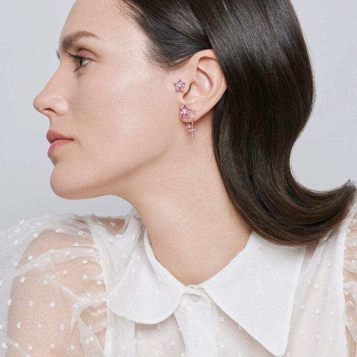 Crivelli - Mono orecchino in oro rosa con fiori in diamanti e zaffiri rosa