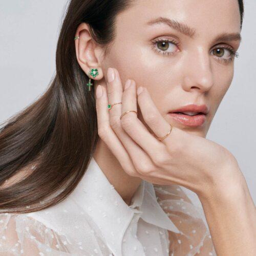 Crivelli - Mono orecchino in oro rosa con fiore di diamanti e smeraldi