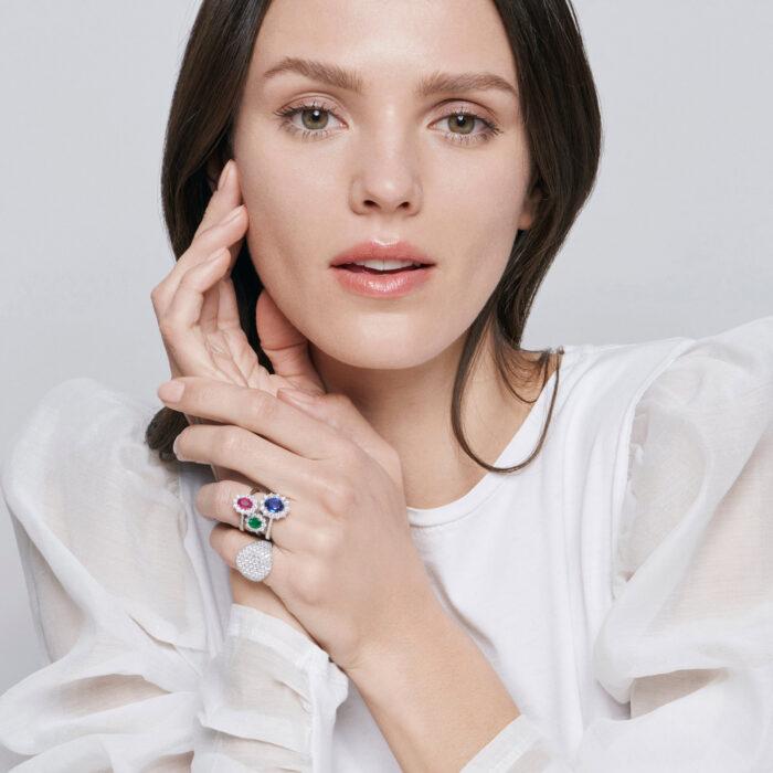 Crivelli - Girodito in oro bianco, smeraldo ovale e diamanti bianchi