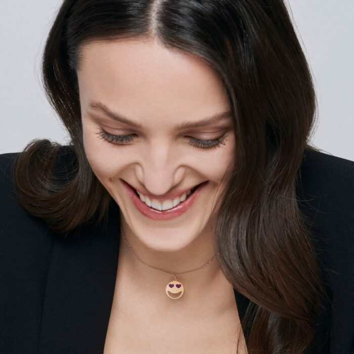 Rosanna Cattolico - Girocollo con ciondolo smile in oro giallo e cuoricini di rubini