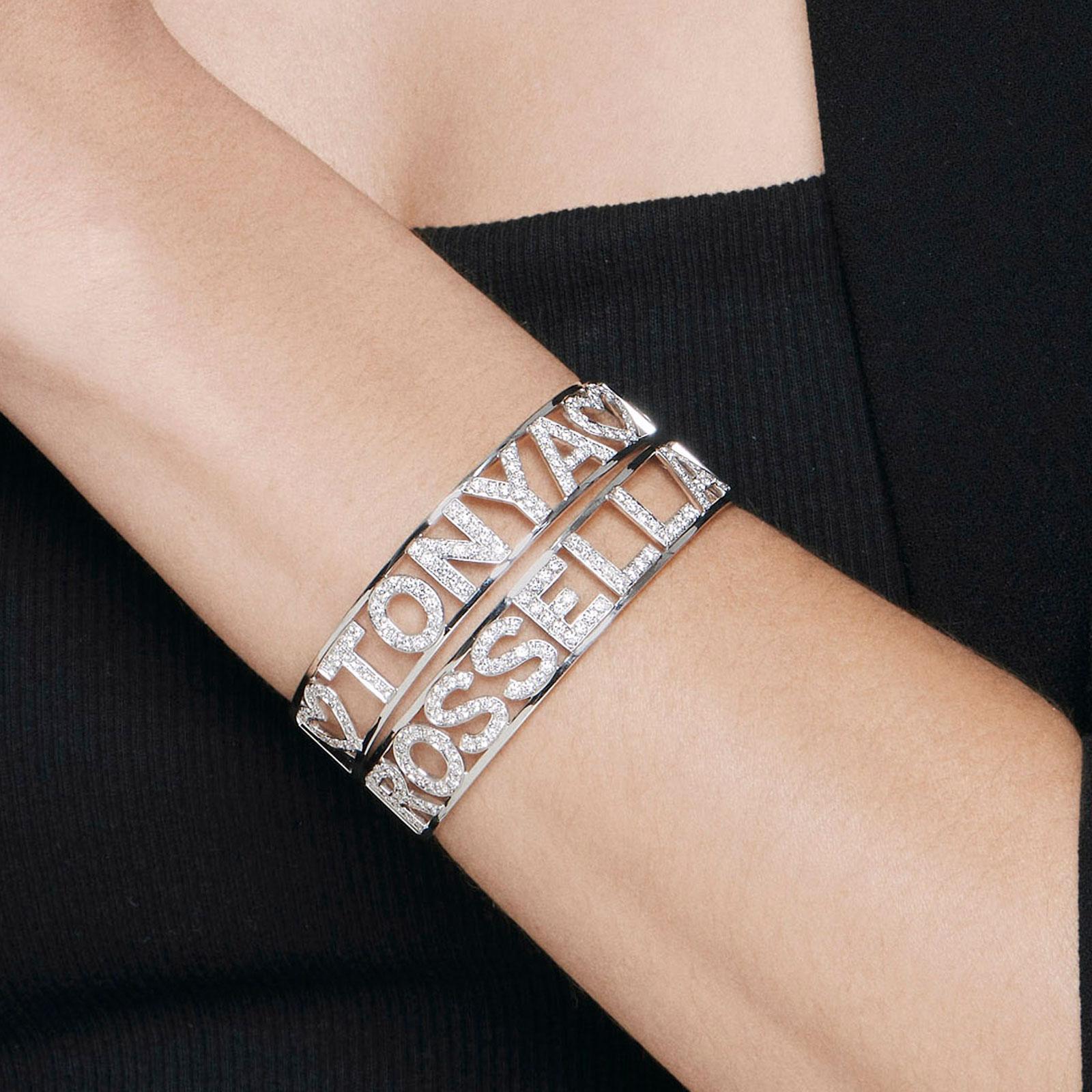 Rosanna Cattolico - Bracciale manetta personalizzato portebonheur in oro bianco e diamanti