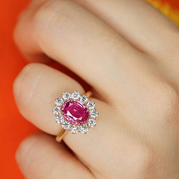 Crivelli - Girodito in oro rosa con diamanti e zaffiro rosa taglio ovale