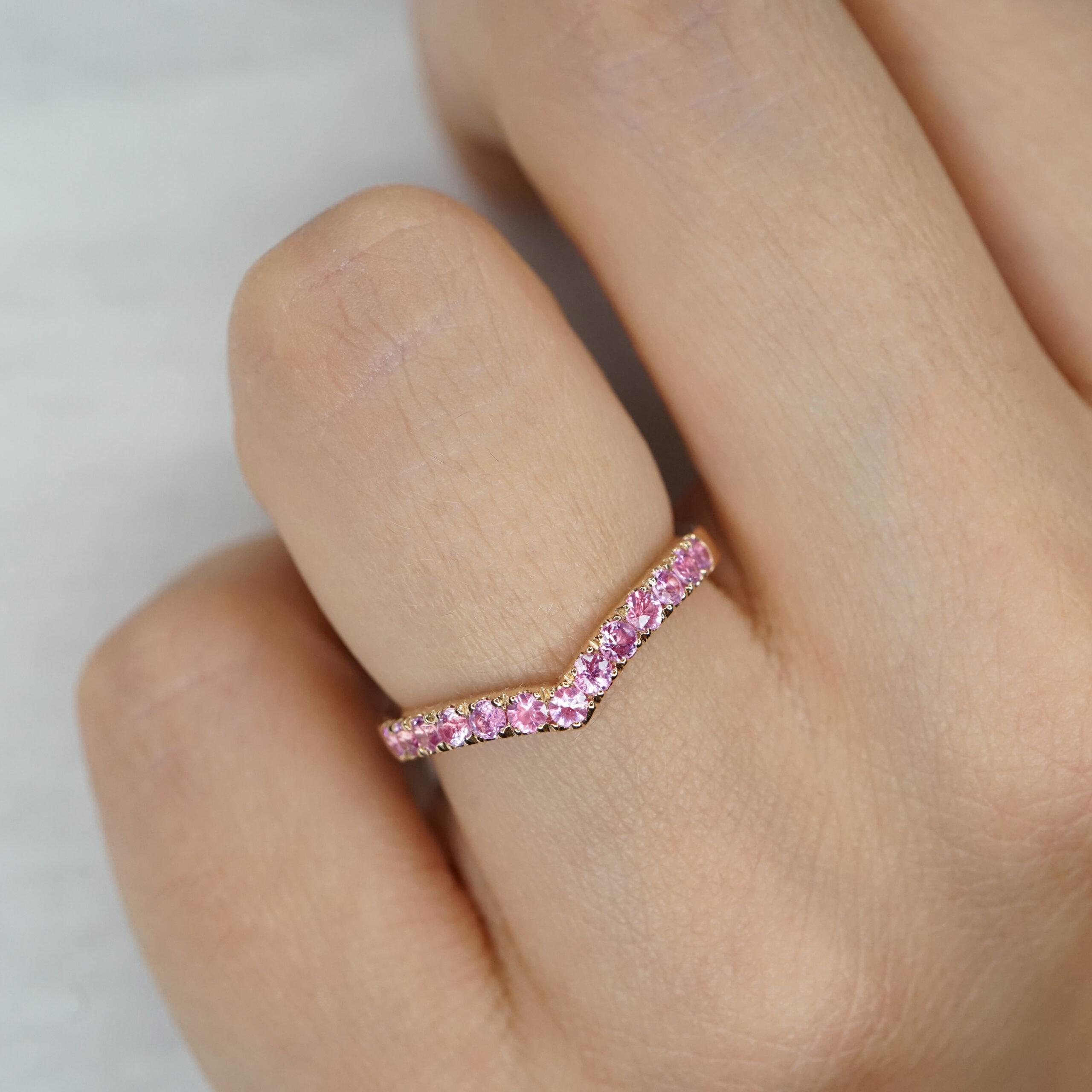 Crivelli - Anello Chevron in oro rosa e zaffiri rosa