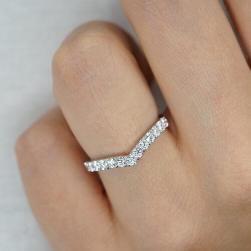 Crivelli - Anello Chevron in oro bianco e diamanti