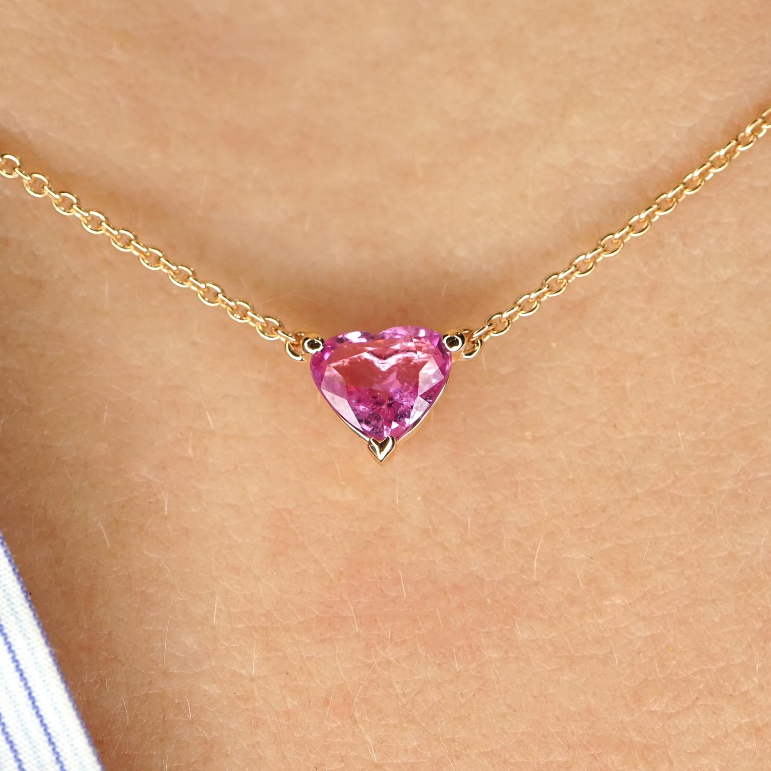 Crivelli - Collana in oro rosa con zaffiro rosa pendente taglio cuore e diamantino sulla chiusura