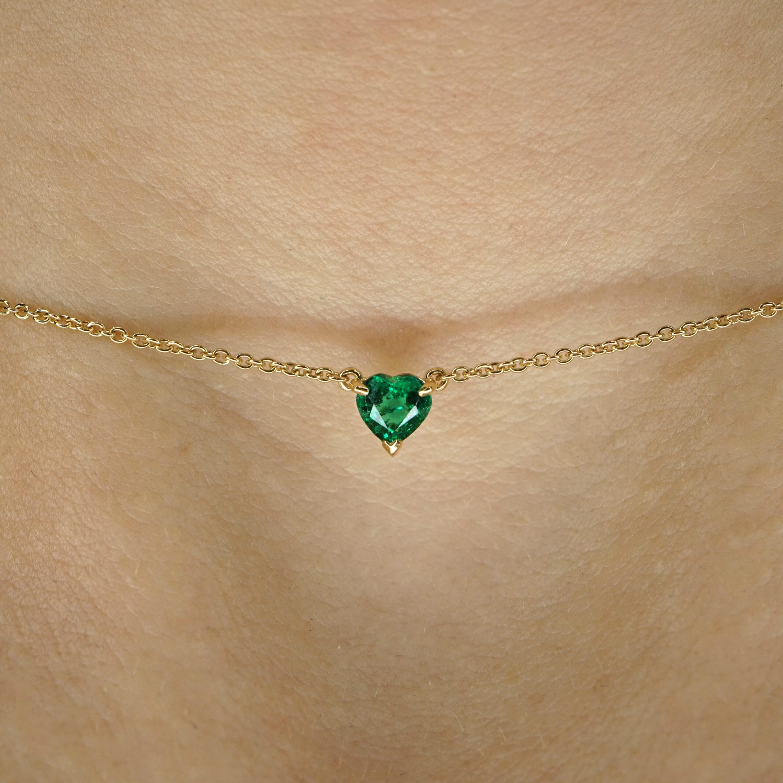 Crivelli - Collana in oro giallo con smeraldo pendente taglio cuore