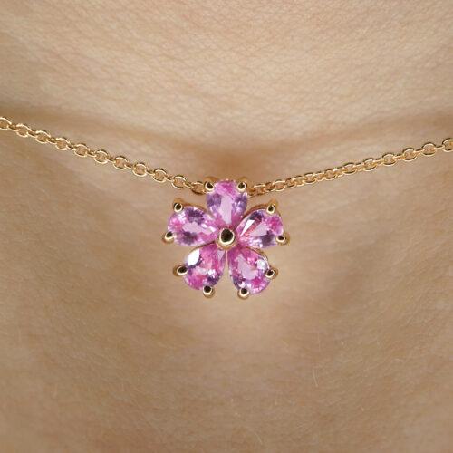 Crivelli - Collana in oro rosa con fiore in zaffiri rosa taglio goccia