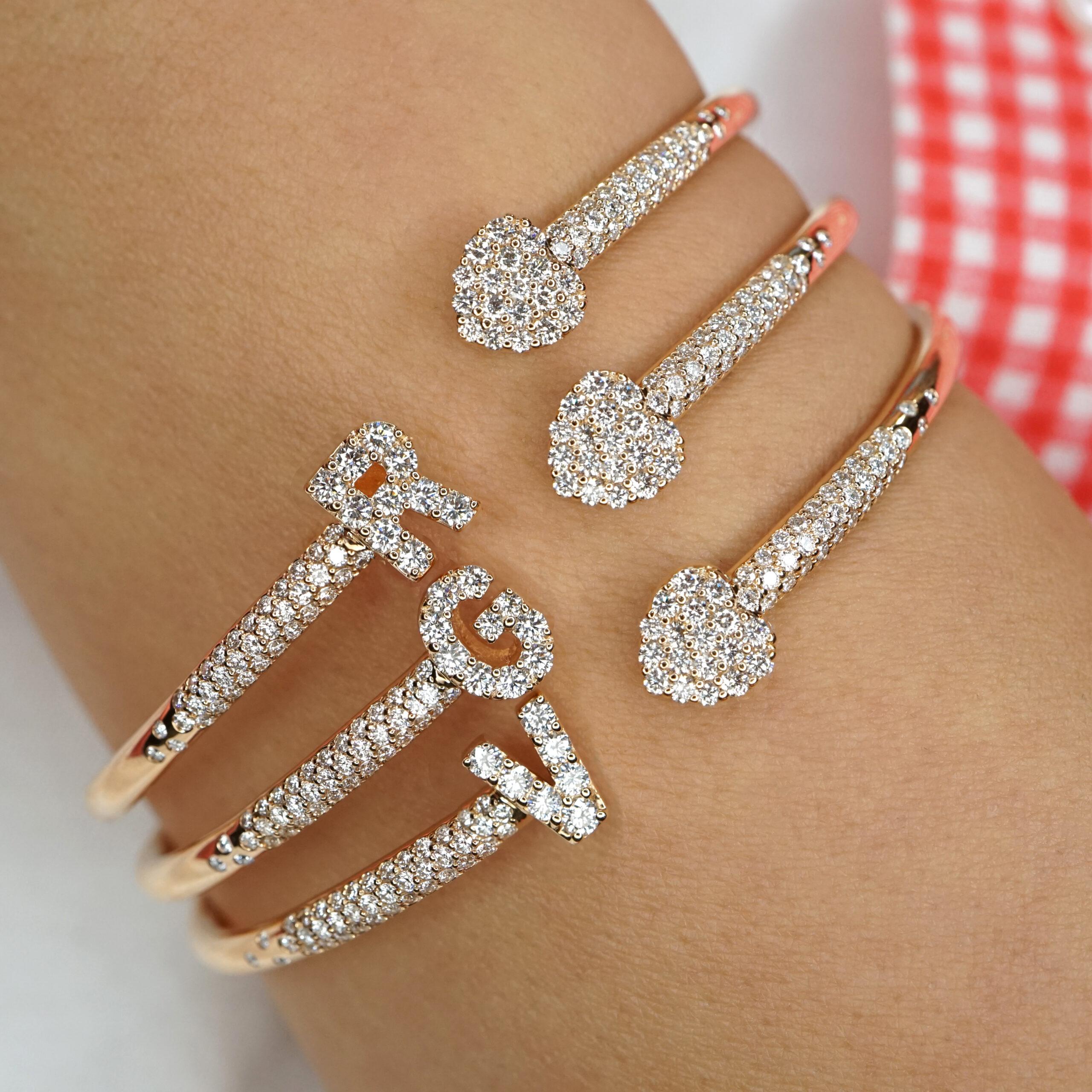 Crivelli - Bracciale in oro rosa e diamanti con lettera e cuore in pavè di diamanti