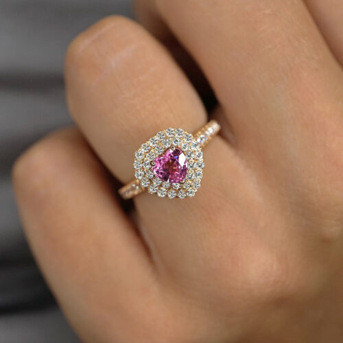 Crivelli - Anello in oro rosa in giro di diamanti con zaffiro rosa taglio cuore in doppio giro di diamanti